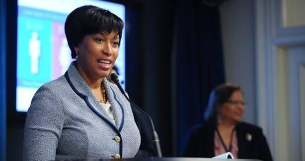 photograph of Mayor Muriel Bowser marking National Equal Pay Day